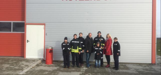 Neue Jacken für die Feuerwehrjugend